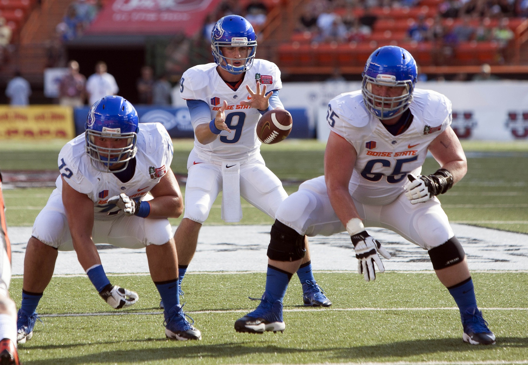 Symmetry Signs Boise State C Matt Paradis